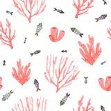 Modelo inconsútil con los corales brillantes de la acuarela pintada a mano y los pequeños pescados stock de ilustración