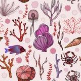 Modelo inconsútil con los corales exhaustos de la mano marina y los organismos vivos libre illustration