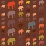 Modelo inconsútil con los elefantes coloridos para la materia textil, cubierta de libro, empaquetando stock de ilustración