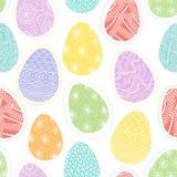 Modelo inconsútil con los huevos de Pascua decorativos Fotos de archivo libres de regalías