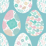 Modelo inconsútil con los huevos de Pascua, vector ilustración del vector