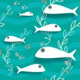 Modelo inconsútil con los pescados En la corriente Imágenes de archivo libres de regalías