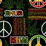 Modelo inconsútil con símbolo de paz del hippie, las hojas del cáñamo y el ornamento étnico Tema de Jamaica ilustración del vector