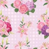 Modelo inconsútil de flores, del lirio, de color de rosa y hortensia con el punto en el fondo Fotos de archivo libres de regalías