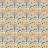 Modelo inconsútil de Jánuca del día de fiesta judío Menorah tradicional, velas, Dreidel con las letras hebreas, jarro del aceite, libre illustration