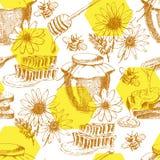 Modelo inconsútil de la miel del vector dé el tarro exhausto, cuchara, palillo, células, manzanilla bosquejo de la tinta de los p Fotografía de archivo
