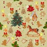 Modelo inconsútil de la Navidad con el caballo mecedora, árbol de navidad, velas, arcos rojos, pan de jengibre, bayas, campanas d Foto de archivo