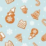 Modelo inconsútil de la Navidad Diversas galletas del pan de jengibre en azul en colores pastel Imagenes de archivo