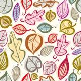 Modelo inconsútil de las hojas de otoño Imágenes de archivo libres de regalías