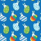 Modelo inconsútil de Pascua con los conejitos y los huevos Fotografía de archivo libre de regalías