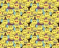 Modelo inconsútil del garabato con expresiones positivas del emoticon de la diversión Sonrisa, guiño, ángel, sorprendido, en amor Libre Illustration