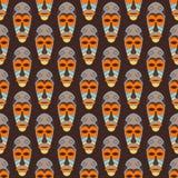 Modelo inconsútil del vector africano de la máscara stock de ilustración