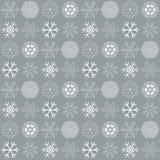 Modelo inconsútil del vector con los copos de nieve Fondo del invierno libre illustration