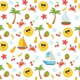 Modelo inconsútil del verano colorido con el sol, cangrejo, estrella de mar, palma, Fotografía de archivo libre de regalías
