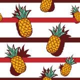 Modelo inconsútil dibujado mano del vector Piña Fondo rayado Fruta tropical exótica para las invitaciones, tarjetas de felicitaci libre illustration