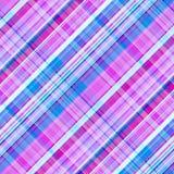 Modelo inconsútil en una jaula de inclinación, impresión del tartán en los colores púrpura-rosados y azules, vector libre illustration