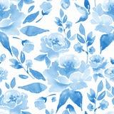 Modelo inconsútil floral con las flores y las hojas azules Fotografía de archivo