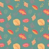 Modelo inconsútil floral de la hoja del otoño Hoja roja amarilla en fondo azul polvoriento Ejemplo handdrawn del creyón de la hoj libre illustration