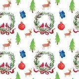 Modelo inconsútil hermoso de la acuarela de la Navidad con la guirnalda, los ciervos, las cintas, las manoplas y el árbol foto de archivo