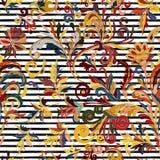 Modelo inconsútil rayado Papel pintado floral del drenaje de la mano Frontera ornamental colorida Imágenes de archivo libres de regalías