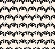 Modelo incons?til de los tri?ngulos geom?tricos del vector Ornamento abstracto blanco y negro ilustración del vector
