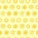 Modelo inconsútil con el sol Ilustración del vector Foto de archivo