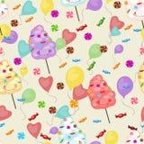 Modelo inconsútil de dulces, caramelo de algodón, piruletas, globos Foto de archivo libre de regalías