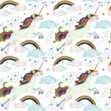 Modelo inconsútil del cuento de hadas de la acuarela con unicornio del vuelo, el arco iris, las nubes mágicas y la lluvia Imagenes de archivo