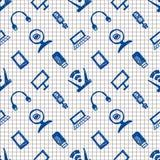 Modelo inconsútil del vector, fondo a cuadros con el monitor, cuaderno, router, usb y micrófono Dibujo de bosquejo de la mano Fotos de archivo libres de regalías