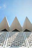 Modelo islámico tradicional con los cielos azules Foto de archivo libre de regalías