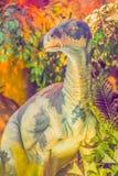 Modelo lindo del dinosaurio de Iguanodon en el museo público Iguanodon foto de archivo libre de regalías