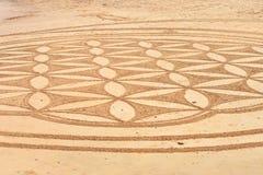 Modelo linear en la arena Foto de archivo