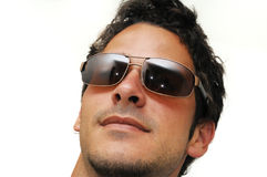 Modelo masculino com óculos de sol foto de stock royalty free