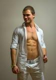 Modelo masculino muscular Fotos de archivo libres de regalías