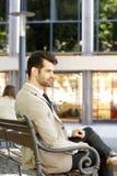 Modelo masculino no terno de negócio Foto de Stock Royalty Free