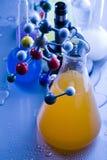 Modelo molecular - laboratorio Imagen de archivo libre de regalías