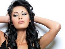 Modelo novo bonito com olhos azuis bonitos Imagem de Stock Royalty Free