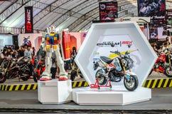 Modelo nuevo de HONDA GUNDUM de la historieta en el FESTIVAL 2014 de la MOTO de BANGKOK foto de archivo libre de regalías