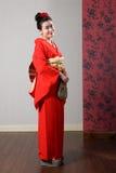 Modelo oriental del kimono en la alineada tradicional de Japón Fotografía de archivo libre de regalías