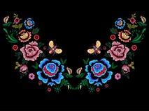 Modelo popular del escote del bordado con las flores y la abeja ilustración del vector