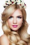 Modelo Portrait de Blondie da forma hairstyle haircut Fotos de Stock Royalty Free