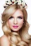 Modelo Portrait de Blondie de la moda hairstyle haircut Fotos de archivo libres de regalías