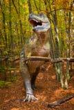 Modelo realístico do rex do tiranossauro em Jurassic Park fotos de stock