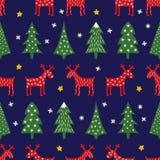 Modelo retro inconsútil de la Navidad del estilo - árboles variados, reno, estrellas y copos de nieve de Navidad Imagenes de archivo