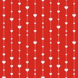 Modelo rojo elegante inconsútil con los corazones. Foto de archivo libre de regalías