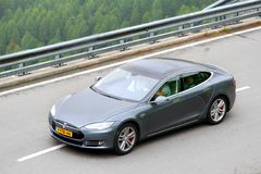 Modelo S de Tesla Fotos de Stock Royalty Free
