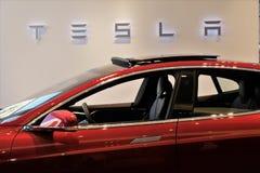 Modelo S Electric Car de Tesla imagenes de archivo