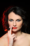 Modelo sensual con maquillaje profesional imagen de archivo