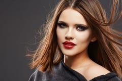 Modelo Studio Portrait del estilo de pelo Cara hermosa de la mujer Fotografía de archivo
