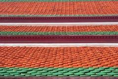 Modelo tailandés de los azulejos de azotea de la arcilla Imagenes de archivo